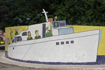 Mosaic by José Rodríguez Fuster.