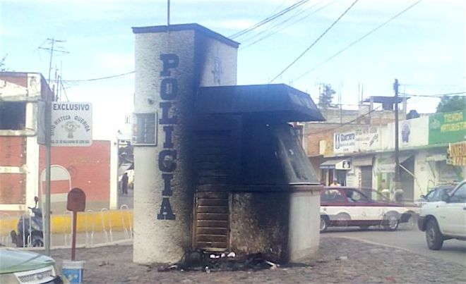Police post burned in Huajuapan following Chava's murder.