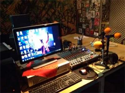 radio-zapote-booth