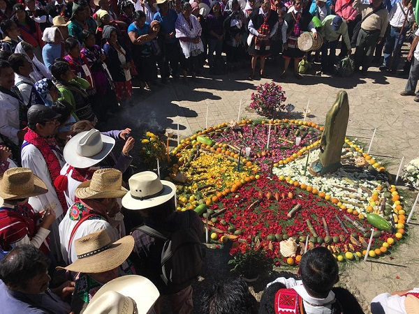 Gathering during the MODEVITE pilgrimage in Chiapas